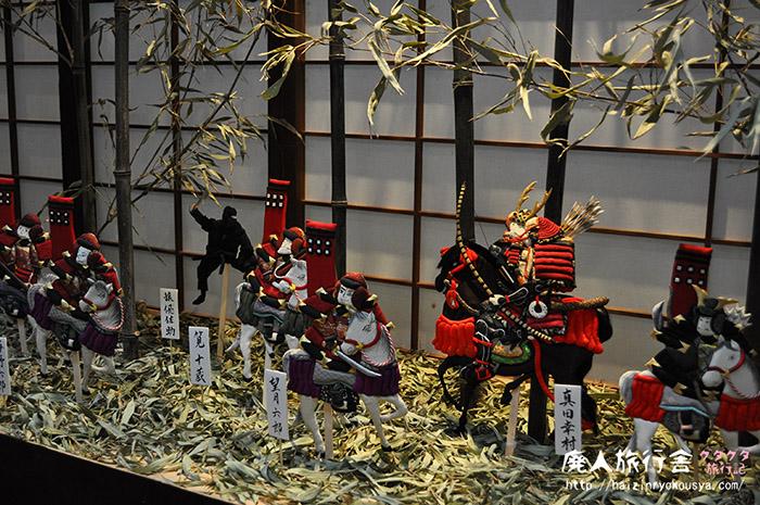 押絵ジオラマ展示会場の上にはユルユルな忍者が潜んでいた。(和歌山)