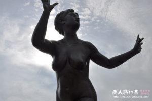 宝塚大橋の裸婦像!(兵庫)