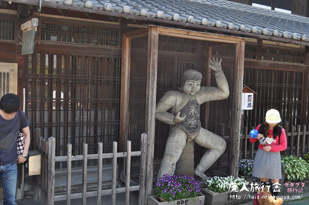 高さ2m!イケメン陶芸家が作った巨大陶製金太郎像!米金の金時さん(和歌山)