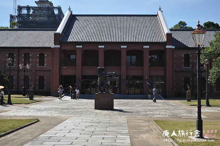 広い庭には裸婦像がいっぱい!姫路市立美術館。(兵庫)